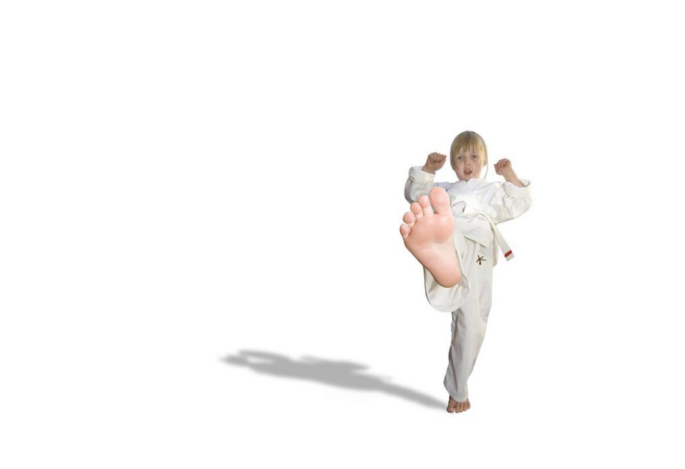 karate girl 1440x960